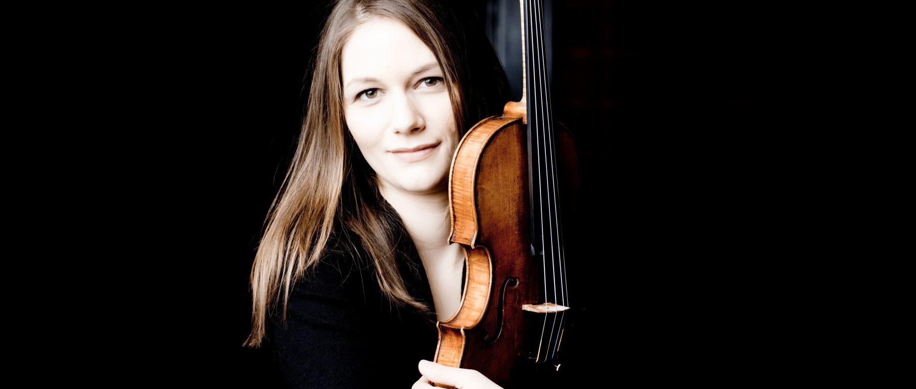Portrait von Lena Neudauer, Violine