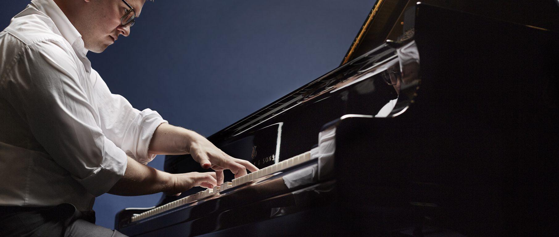 Frank Dupree, Klavier